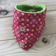 Rojo fresa motivos verdes - toalla verde