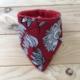 Babero Unai - Flores blancas - toalla roja